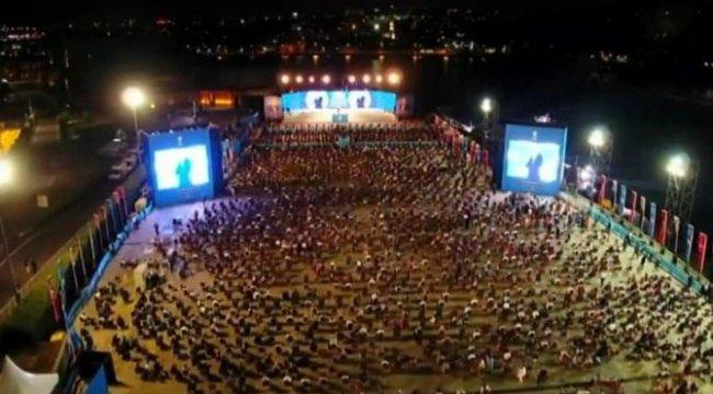 AKP'den İstanbul'da '100 bin üye' etkinliği