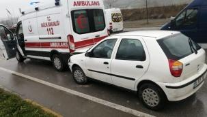 Samsun'da 1'i ambulans 5 aracın karıştığı zincirleme kaza: 3 kişi yaralandı